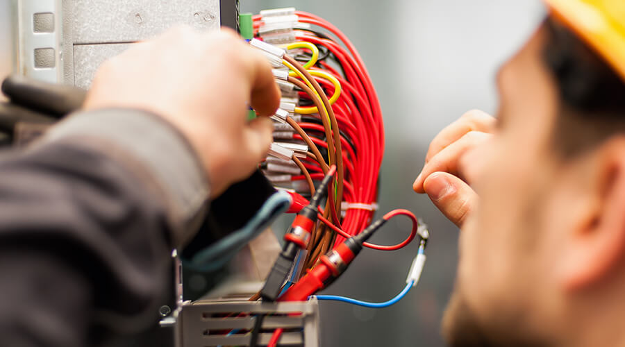 electrician fixing wiring
